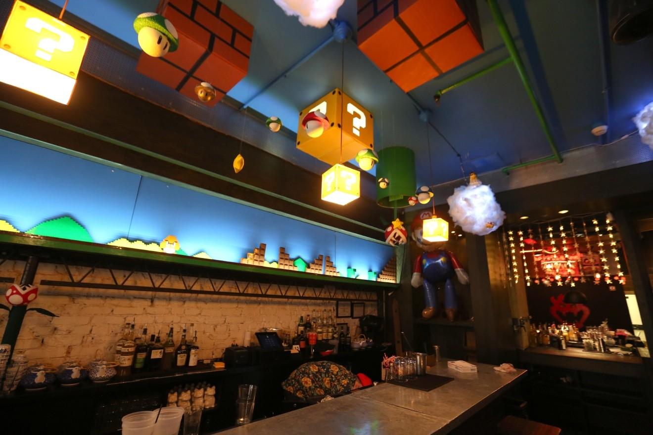 Mê mẩn với quán bar phong cách Mario, chỉ cần bước vào là sẽ quên luôn đường về