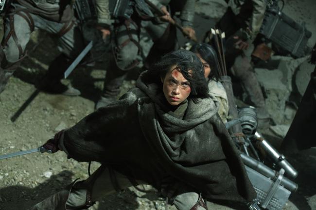 Hai phim điện ảnh live-action của Attack on Titan đã bị giới phê bình và khán giả đánh giá thấp