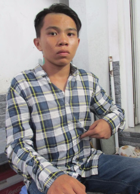 Em Vũ Hoàng Thái Phong bị chủ tiệm game bắn cá đánh đập, chích điện