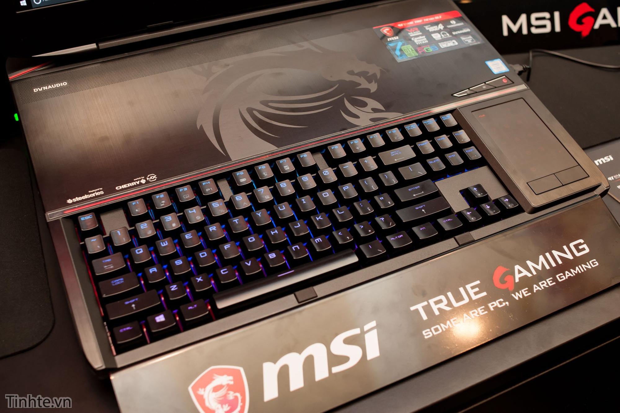 Bàn phím cơ Cherry MX Speed trên MSI GT83VR Titan.