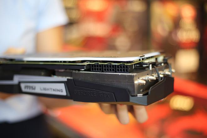 Chiêm ngưỡng card đồ họa MSI GeForce GTX 1080 Ti Lightning Z: sức mạnh của tia chớp với 3 chân 8-pin