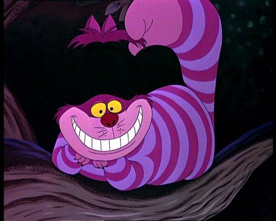 Mèo Cheshire nổi tiếng với cái miệng rộng ngoác và nụ cười tinh nghịch đặc trưng.