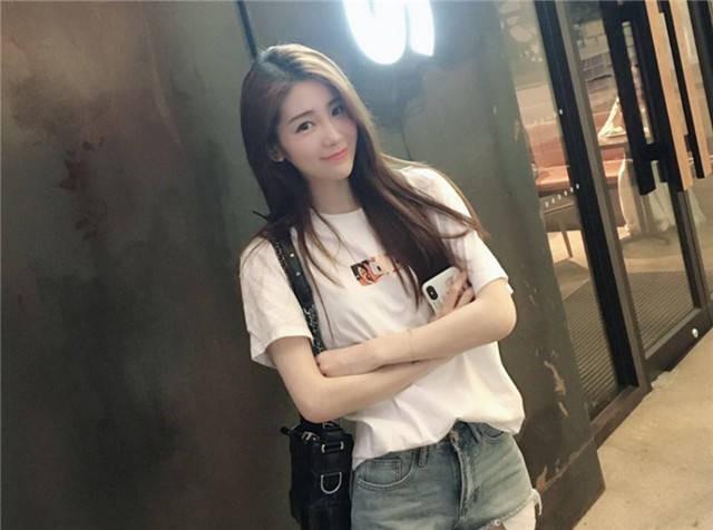 3 nữ MC game Trung Quốc dù không giỏi kiến thức chuyên môn nhưng vẫn nổi tiếng nhờ nhan sắc hơn người - Ảnh 14.