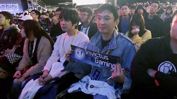 Bán kết CKTG 2018: TheShy Gaming hủy diệt G2 Esports, ông chủ Vương Tư Thông nở nụ cười mãn nguyện - Ảnh 5.