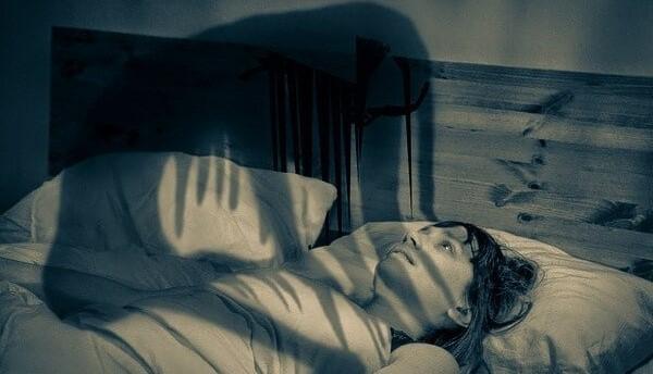 Đừng tưởng ngủ là sướng, đây là 5 điều đáng sợ bạn không muốn gặp phải trong lúc ngủ đâu - Ảnh 1.