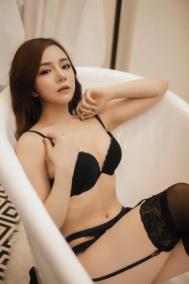 Bỏng mắt với bộ ảnh nội y Thiên thần - Ác quỷ mới toanh của hot girl ngủ gật Thủy Tiên - Ảnh 9.
