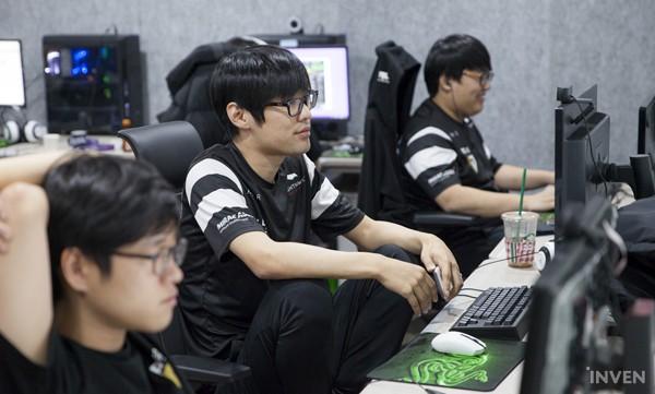 Gạt qua nỗi buồn ở CKTG 2018, Gen.G eSports ra mắt Gaming House hoành tráng giữa lòng Seoul - Ảnh 7.