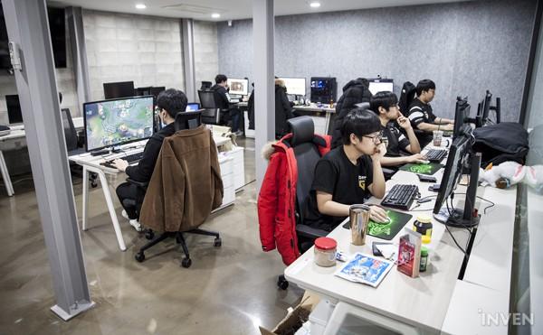 Gạt qua nỗi buồn ở CKTG 2018, Gen.G eSports ra mắt Gaming House hoành tráng giữa lòng Seoul - Ảnh 8.