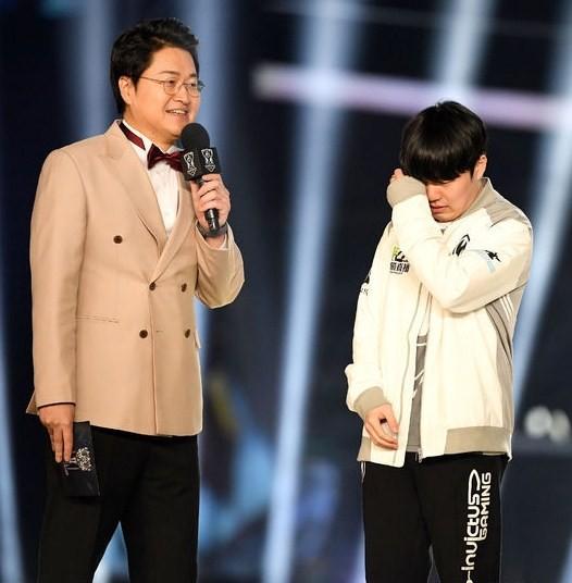 Phản ứng của cộng đồng LMHT quốc tế về chức vô địch thế giới của IG: Rookie vô địch là niềm tự hào, nhưng cũng là nỗi đau của người Hàn - Ảnh 2.