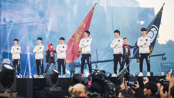 Hội phụ huynh tại Trung Quốc bất ngờ lên tiếng đòi tẩy chay Invictus Gaming vì...chiến tích Vô địch thế giới - Ảnh 2.
