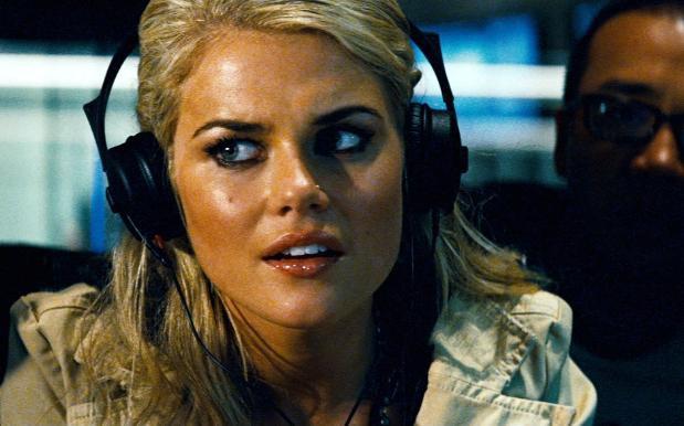 6 mỹ nhân xinh đẹp và gợi cảm nhất từng xuất hiện trong series Transformers - Ảnh 3.