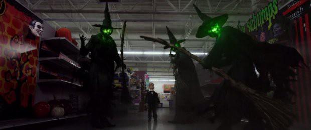 Phim kinh dị Câu Chuyện Lúc Nửa Đêm 2 tung trailer rùng rợn hé lộ một Halloween quỷ ám - Ảnh 4.