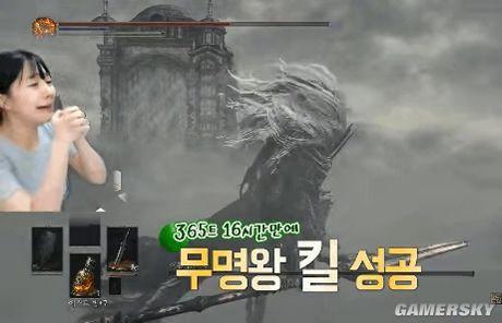Nữ streamer chết 365 lần để giết Boss trong Dark Soul 3 - Ảnh 2.