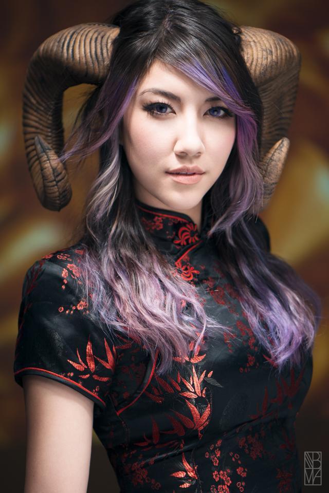 5 nữ nghệ sĩ cosplay kiếm tiền giỏi nhất trên thế giới, ai cũng gợi cảm và quyến rũ đốt mắt người xem - Ảnh 6.