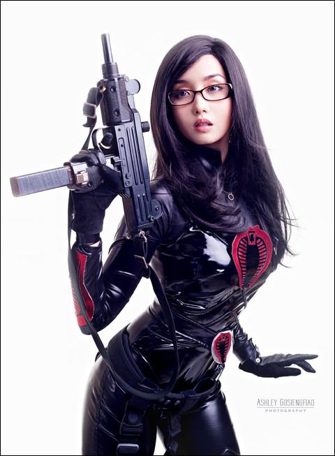 5 nữ nghệ sĩ cosplay kiếm tiền giỏi nhất trên thế giới, ai cũng gợi cảm và quyến rũ đốt mắt người xem - Ảnh 30.