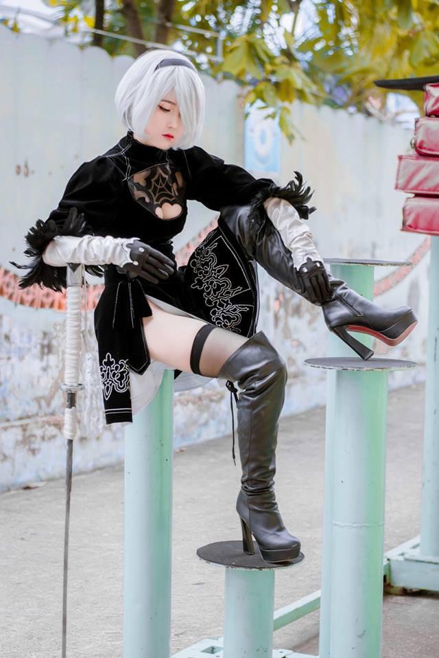 Suýt trớ sáng thứ Bảy với loạt ảnh cosplay cô nàng 2B đầy táo bạo và gợi cảm - Ảnh 4.