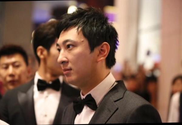 Ngỡ ngàng khi thiếu gia Vương Tư Thông lọt top 100 gương mặt đẹp trai nhất châu Á - Ảnh 4.