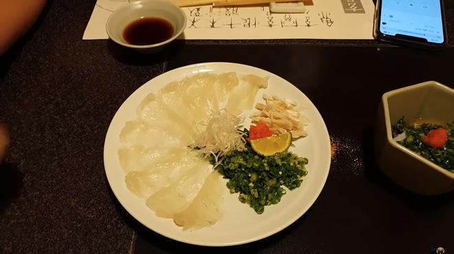 Khoa Pug liều mạng đi ăn cá nóc độc chết người ở Tokyo: sau này không thấy tôi ra video nữa là hiểu rồi nhé! - Ảnh 3.