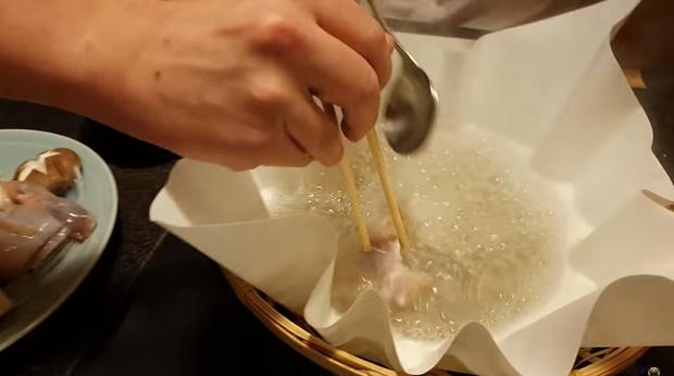 Khoa Pug liều mạng đi ăn cá nóc độc chết người ở Tokyo: sau này không thấy tôi ra video nữa là hiểu rồi nhé! - Ảnh 8.