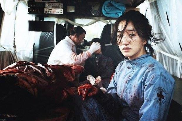 Rợn người với 6 phim Hàn về ô nhiễm môi trường: Động vật đột biến, loài người diệt vong - Ảnh 6.