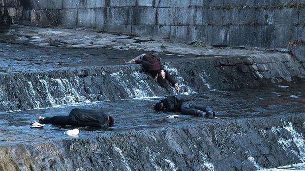 Rợn người với 6 phim Hàn về ô nhiễm môi trường: Động vật đột biến, loài người diệt vong - Ảnh 8.