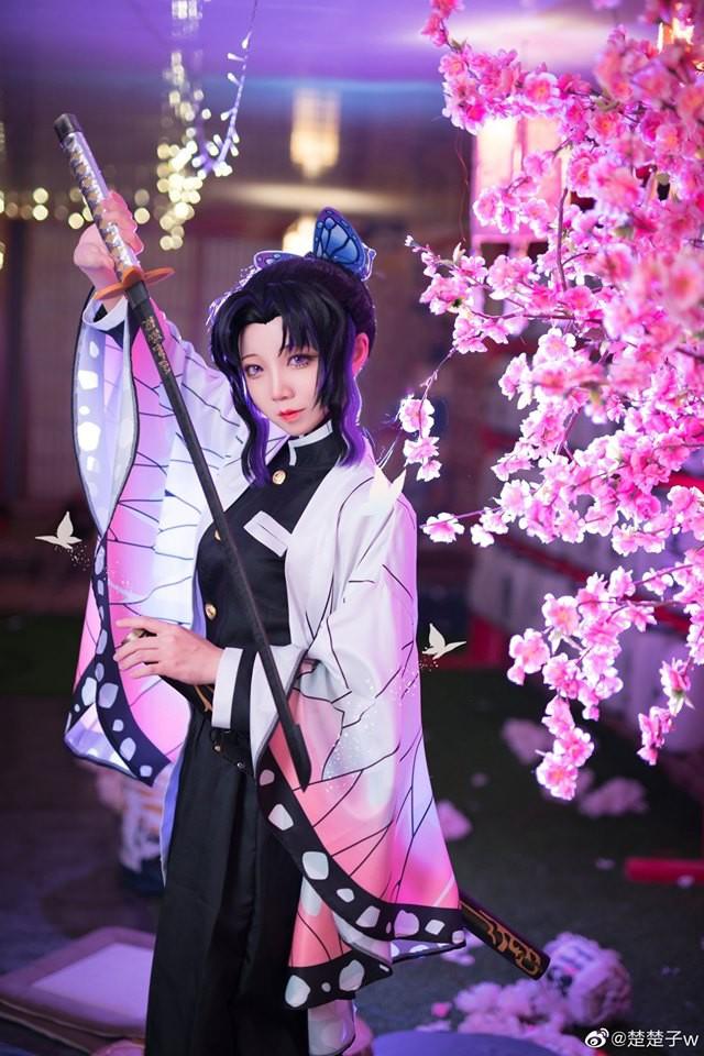 Trùng trụ Kochou Shinobu thoát tục tựa tiên nữ qua loạt ảnh cosplay đẹp mê hồn - Ảnh 5.