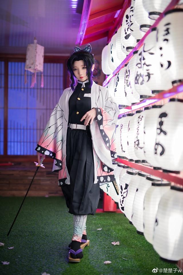 Trùng trụ Kochou Shinobu thoát tục tựa tiên nữ qua loạt ảnh cosplay đẹp mê hồn - Ảnh 11.