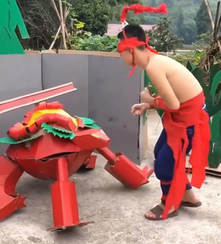 LMHT: Chết cười với phim live-action của game thủ Trung Quốc, tái hiện LMHT theo phong cách... tiết kiệm - Ảnh 7.