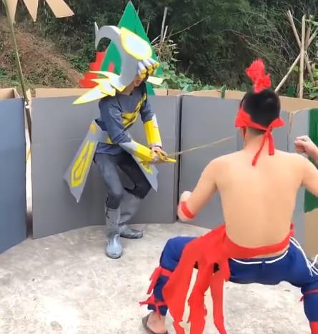 LMHT: Chết cười với phim live-action của game thủ Trung Quốc, tái hiện LMHT theo phong cách... tiết kiệm - Ảnh 8.