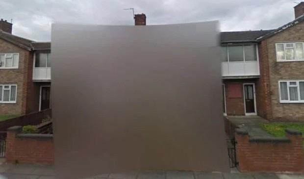 Ngôi nhà bí ẩn bị xóa mờ trên Google Maps: Bí mật gì đang được che giấu? - Ảnh 1.