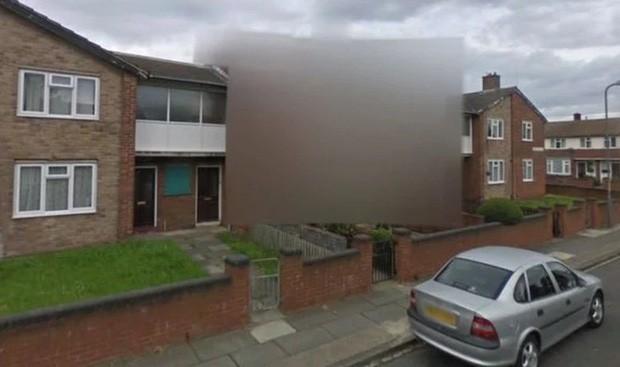 Ngôi nhà bí ẩn bị xóa mờ trên Google Maps: Bí mật gì đang được che giấu? - Ảnh 2.