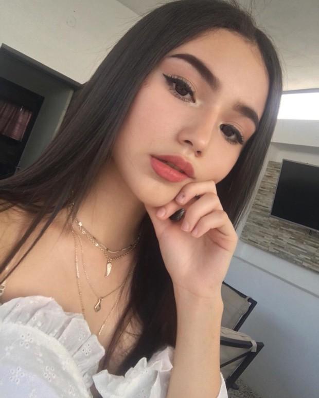 Cô nàng 14 tuổi đã lớn phổng phao khiến các thanh niên trên Instagram dậy sóng - Ảnh 6.
