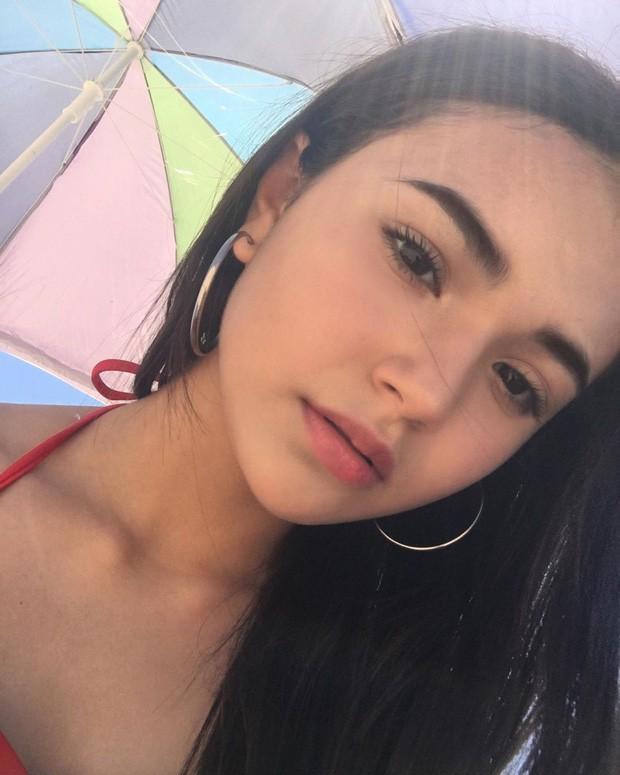 Cô nàng 14 tuổi đã lớn phổng phao khiến các thanh niên trên Instagram dậy sóng - Ảnh 8.