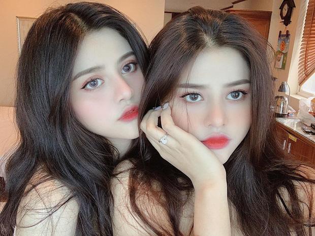 Xuất hiện hai chị em sinh đôi sn2000 cực phẩm: Cùng tên, xinh đẹp khiến cộng đồng mạng chỉ biết khen nức nở - Ảnh 1.