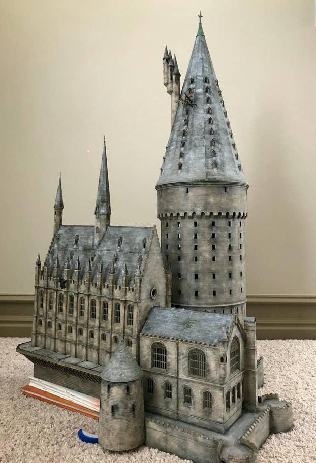 Quá đam mê Harry Potter, ông bố 4 con tự tạo ra mô hình thế giới phù thủy độc nhất vô nhị - Ảnh 11.