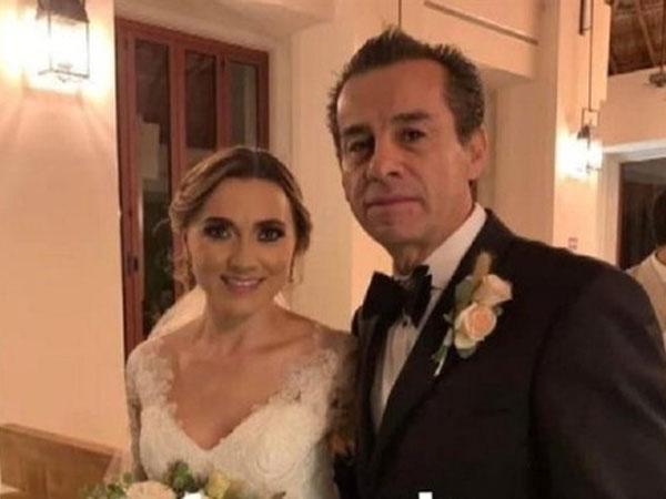 Con trai qua đời được 3 năm, cựu thị trưởng Mexico cưới luôn con dâu nhà mình - Ảnh 1.