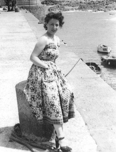 Qua đời ở tuổi 91, cụ bà triệu phú tốt bụng để lại gia sản cho cả làng - Ảnh 1.