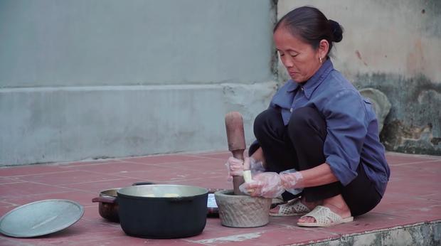 Bà Tân Vlog thôi làm món siêu to khổng lồ, chuyển sang phong cách cơm mẹ nấu, cộng đồng mạng lại van xin bà hãy trở lại như xưa - Ảnh 2.