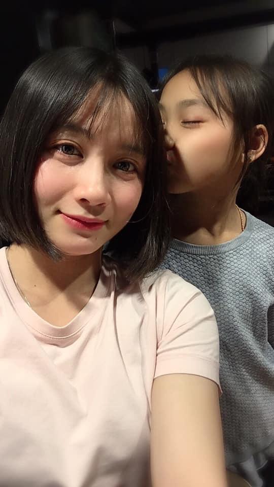 Xinh đẹp như hot girl, hoa khôi bóng đá nữ Việt Nam bất ngờ sở hữu tới hơn 100.000 follow trên Facebook sau một đêm - Ảnh 4.