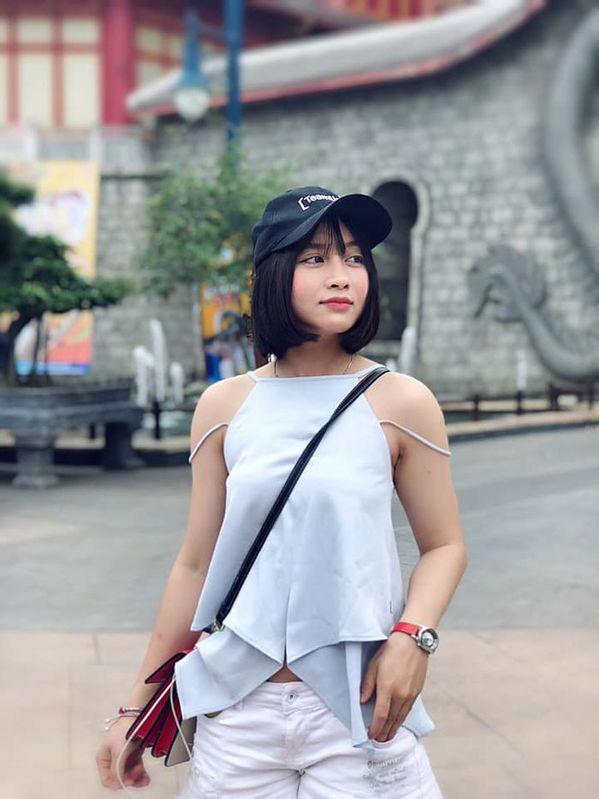 Xinh đẹp như hot girl, hoa khôi bóng đá nữ Việt Nam bất ngờ sở hữu tới hơn 100.000 follow trên Facebook sau một đêm - Ảnh 5.