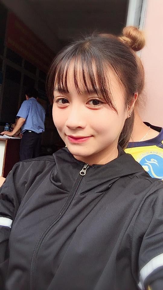 Xinh đẹp như hot girl, hoa khôi bóng đá nữ Việt Nam bất ngờ sở hữu tới hơn 100.000 follow trên Facebook sau một đêm - Ảnh 8.