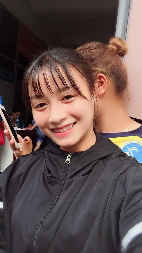 Xinh đẹp như hot girl, hoa khôi bóng đá nữ Việt Nam bất ngờ sở hữu tới hơn 100.000 follow trên Facebook sau một đêm - Ảnh 7.