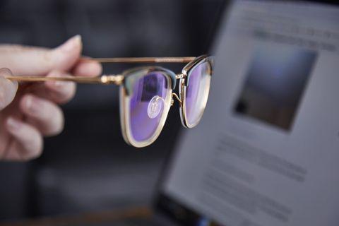 Thử nghiệm thực tế kính chắn ánh sáng xanh giúp game thủ bảo vệ đôi mắt hiệu quả - Ảnh 4.