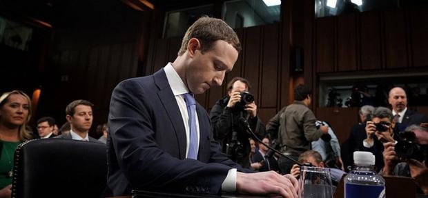 Nhận lương cả năm không đủ mua 1 bát phở: Vì sao các tỷ phú và CEO công nghệ vẫn sống khỏe, thậm chí ngày càng giàu? - Ảnh 2.