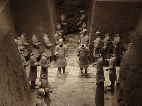 """Kinh dị truyền thuyết """"làm thịt"""" Mỹ Nhân Ngư, rán mỡ làm dầu nến trong lăng mộ thắp sáng ngàn năm không tắt - Ảnh 11."""