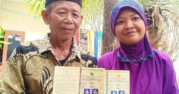 Cô gái 28 tuổi kết hôn với ông già 70 chỉ 4 tháng sau lần gặp đầu, ai cũng nghĩ là hám tiền cho tới khi biết được của hồi môn - Ảnh 2.