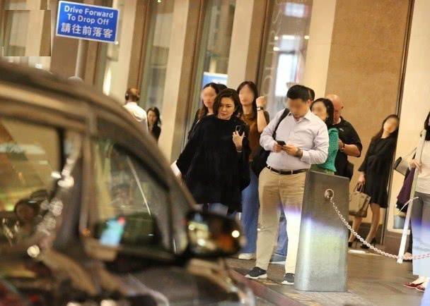 Quan Chi Lâm: Người đẹp săn đại gia cô độc ở tuổi U60, di chúc 1.400 tỷ cho em trai - Ảnh 8.