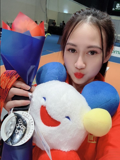 Quá xinh đẹp, hot girl môn kiếm chém đoạt HCB Sea Games lấn sân sang làm người mẫu khiến cộng đồng mạng bất ngờ - Ảnh 1.