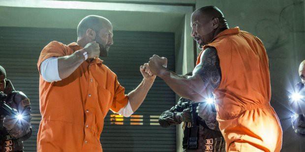 Fast & Furious: Hobbs & Shaw tung trailer mãn nhãn không khác gì phim siêu anh hùng - Ảnh 1.
