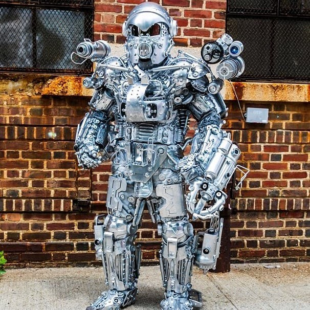 Mãn nhãn với bộ sưu tập robot Transformers được chế biến từ phế liệu cũ - Ảnh 11.